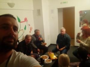 De la stânga ladreapta. Eu, Ovidiu Petcu, Alexandru Mironov, Daniel Borgros. Sărbătorindu-mi ziua de naştere
